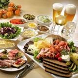 غذاها و نوشیدنیها